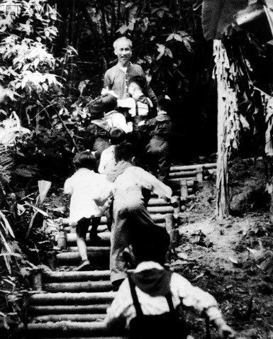 In spite of being busy, beloved Uncle Ho always had time for children and adolescents in the jungle of Viet Bac.