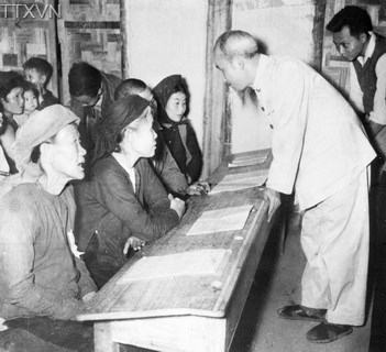 President Ho Chi Minh visited a class on continuating education in Hanoi in 1956.