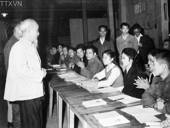 President Ho Chi Minh visited a class for automobile workers in Hanoi on May 1st, 1963.