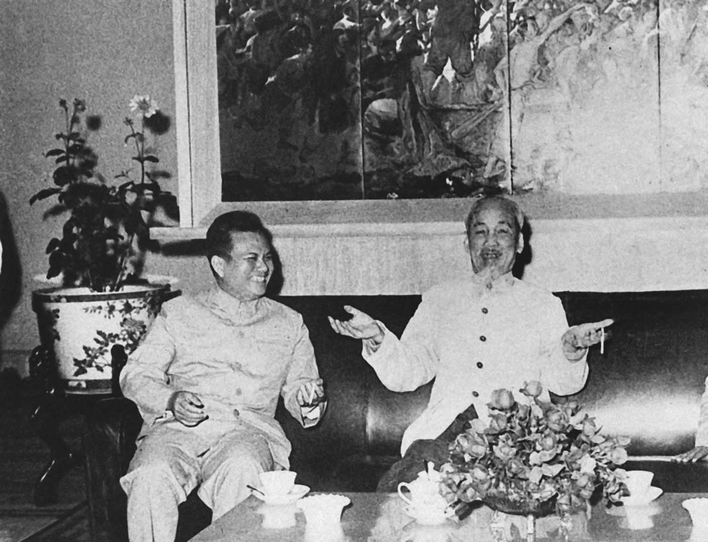 President Ho Chi Minh and comrade Cayxon Phomvihan, President of the People's Democratic Republic of Laos (February 8th, 1966)