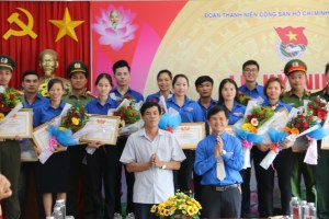 29 collectives and individuals in Dak Nong praised for studying and following President Ho Chi Minh's example