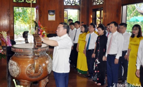 Tourism industry commemorates Uncle Ho